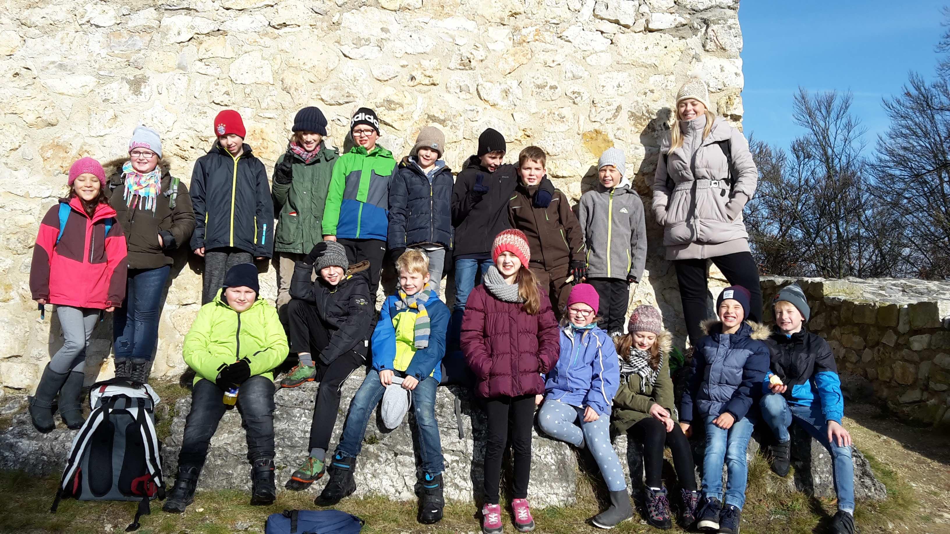 Burgruine-Gruppenfoto